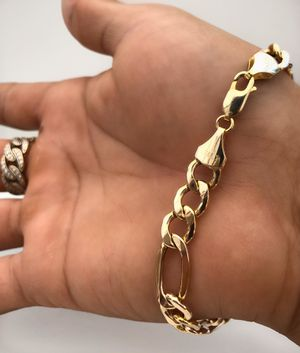 Gold Fígaro Bracelet for Sale in South Gate, CA