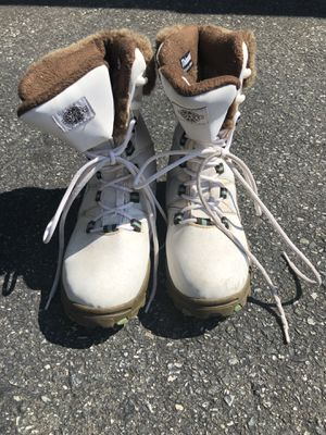 Women's Quest Thinsulate Snow Boots (7.5/8) for Sale in Charlotte, NC