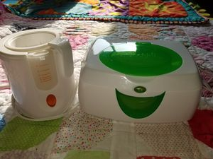 Bottle and wipes warmers like new. for Sale in Omaha, NE