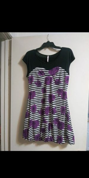 Striped & flowered Dress for Sale in Tulare, CA