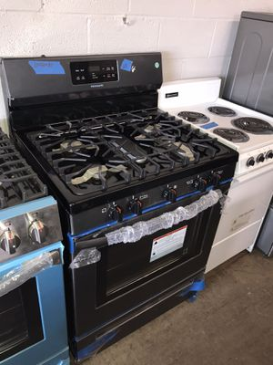 New gas stove black stainless steel 6 months warranty for Sale in Baltimore, MD
