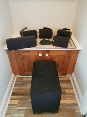 Klipsch surround sound system for Sale in East Providence, RI