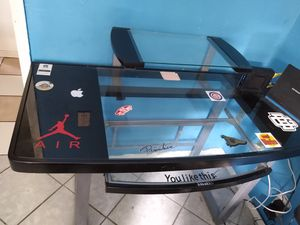 Glass desk top for Sale in Bell Gardens, CA