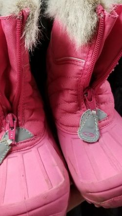Girls Pink Rain Boots with fuzzy inter lining; Toddler size 10 for Sale in Bellflower,  CA