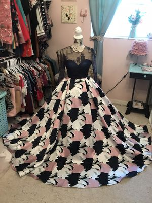 Gorgeous prom dress for Sale in Winter Haven, FL