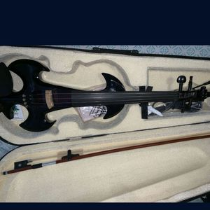 BRAND NEW ELECTRIC VIOLIN for Sale in Hialeah, FL
