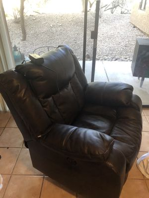 Leather recliner (electric) for Sale in Scottsdale, AZ