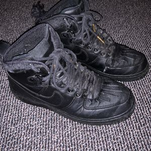Black air forces for Sale in Federal Way, WA