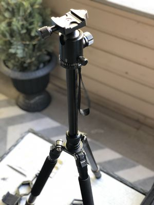 """Zomei Tripod Z668 D-65"""" Aluminum Pro for Sale in Scottsdale, AZ"""