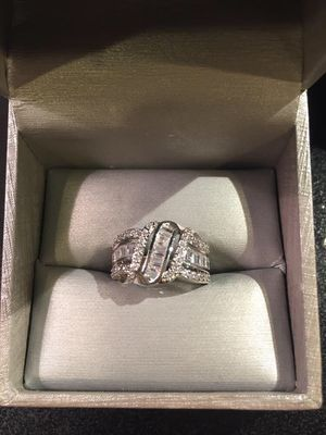😍💍 18K Gold plated Ring- Jewelry- Princess Cut- S for Sale in San Jose, CA
