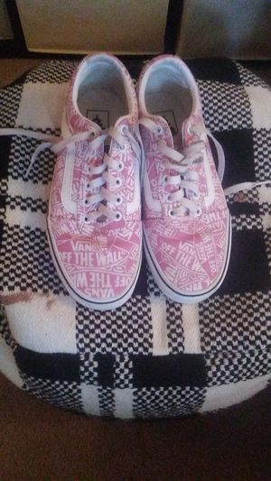 "Pink ""off the wall"" series VANS for Sale in Southaven, MS"