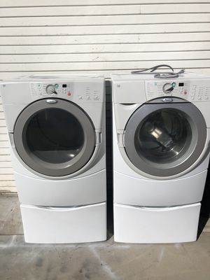 Whirlpool washer and gas dryer set front load works perfectly for Sale in Corona, CA
