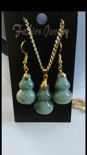 "genuine lucky weathy gourds green jade jadeist set necklace earings gold plated snail chain Trendmax 3mm 19.6"" for Sale in El Cerrito, CA"