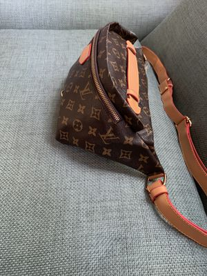 Louis Vuitton waist chain fanny pack cross body gym bag sunglasses case lv belt gold handbag monogram purse tote clutch wallet shoes brass for Sale in San Diego, CA