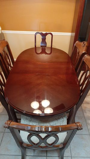 Formal Dining set with six chairs for Sale in Mount Laurel Township, NJ