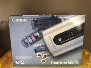Canon color image scanner - For photos, medium format and 35mm film - new unopened. for Sale in Woodinville, WA