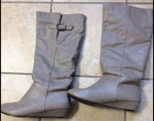 Light Gray Boots - Size 7 for Sale in San Leandro, CA