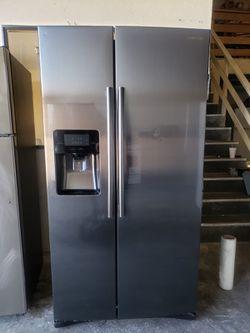 Samsung Works Perfectly Refrigerator Fridge CONTACT TODAY! #1656 for Sale in San Bernardino,  CA