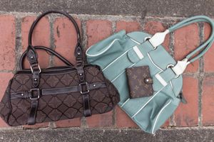 Stylish purse set with wallet for Sale in Snohomish, WA