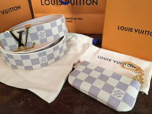 2017 Louis Vuitton Azur belt / pouch for Sale in Bronx, NY
