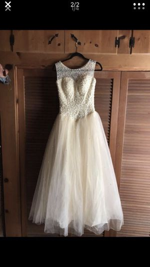 CHAMPAGNE WEDDING/QUINCE DRESS for Sale in Chula Vista, CA