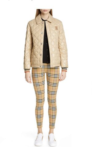 Authentic Burberry short quilted coat for Sale in Roselle, IL