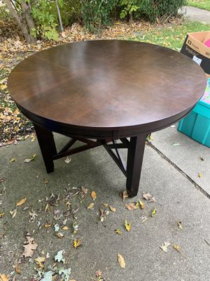 Kitchen Table and chairs for Sale in Westland, MI
