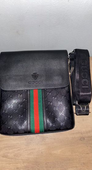 Gucci messenger bag for Sale in Homewood, IL