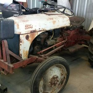 TRACTOR FORD 8N. for Sale in Houston, TX