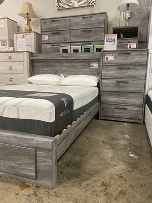 4 PC Bedroom Set (Queen Bed, Dresser Mirror and Nightstand), Grey for Sale in Bell Gardens, CA