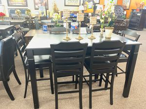 7 pc dining table for Sale in Fresno, CA