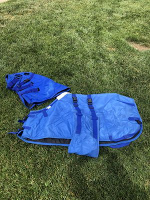 Horse blanket with hood, waterproof, mini horse or small horse. Rocky Hill, 48. for Sale in Oak Glen, CA