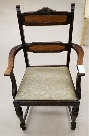 Antique Vinyl and Oak Chair for Sale in City of Industry, CA