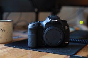 Canon 7d mark ii for Sale in Covina, CA