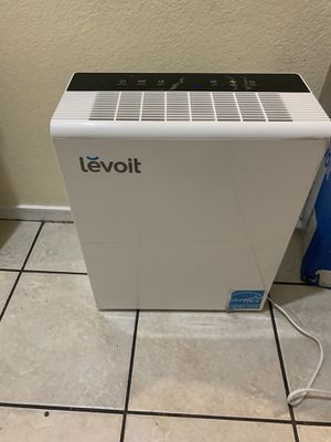 Levoit true HEPA console air purifier WiFi connect like new open box excellent working condition in original packaging for Sale in Las Vegas, NV