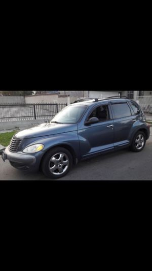 PT cruiser año 2002 titulo limpio TRANSMISION STANDAR for Sale in Los Angeles, CA