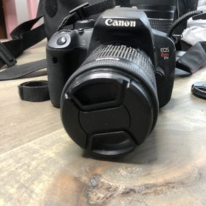 Cannon Rebel T5i Kit - 18-55mm Lens & 70-300mm Lens, Rode Mic, Case, & Extra Batteries for Sale in Los Angeles, CA