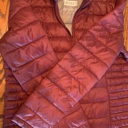 Women's Light Weight Puffer Jacket (Burgundy ).. for Sale in Westminster,  MD