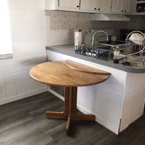 Dining Room Table for Sale in Wildwood, FL
