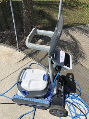 Dolphin robotic pool cleaner with caddy- no low ballers for Sale in Corona, CA