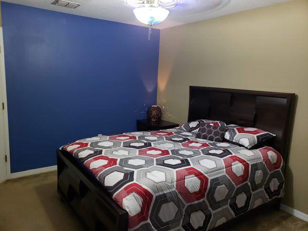 Queen bedroom set for sale