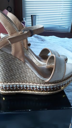 New Wedge Heels Size 6 for Sale in East Peoria, IL
