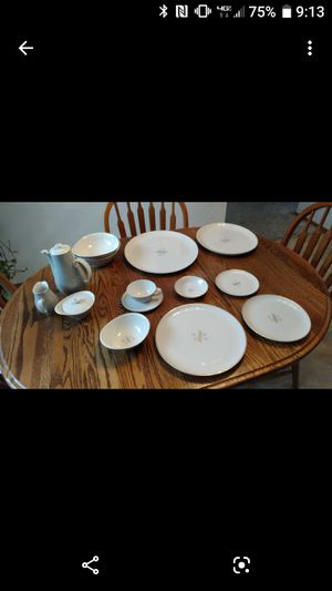 Dorian Syracuse China, 8 place setting for Sale in Chelan, WA