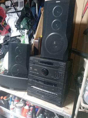 MAGNAVOX HIFI STEREO SYSTEM WITH 2 SPEAKERS. for Sale in Whitehall, OH