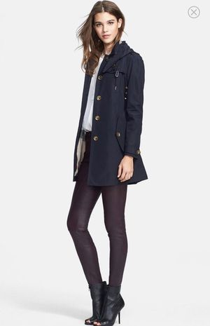 Burberry Brit Navy Single Breasted Hooded Trench Coat Size:12 Pre-own for Sale in Quincy, MA