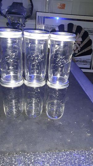 Son 6 frascos de vidrio para que guardes tus condimentos en buen estado for Sale in Aurora, IL