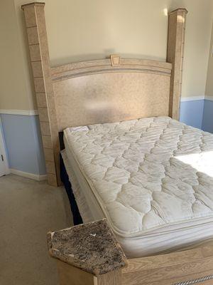 Queen bedroom set for Sale in Union City, CA