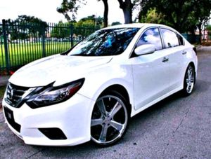 Front Spring Type - Coil __'15__Nissan Altima SL for Sale in Milwaukee, WI