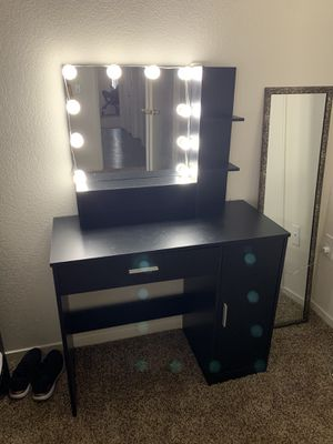 Vanity desk for Sale in Parlier, CA