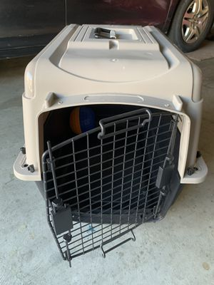 "Petmate Ultra Vari Dog Kennel, 28""L x 21"" W x 22"" H for Sale in Mount Hamilton, CA"